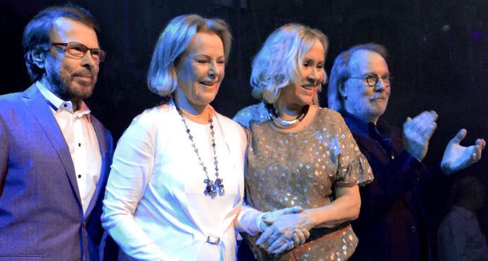 Comeback ABBA uitgesteld