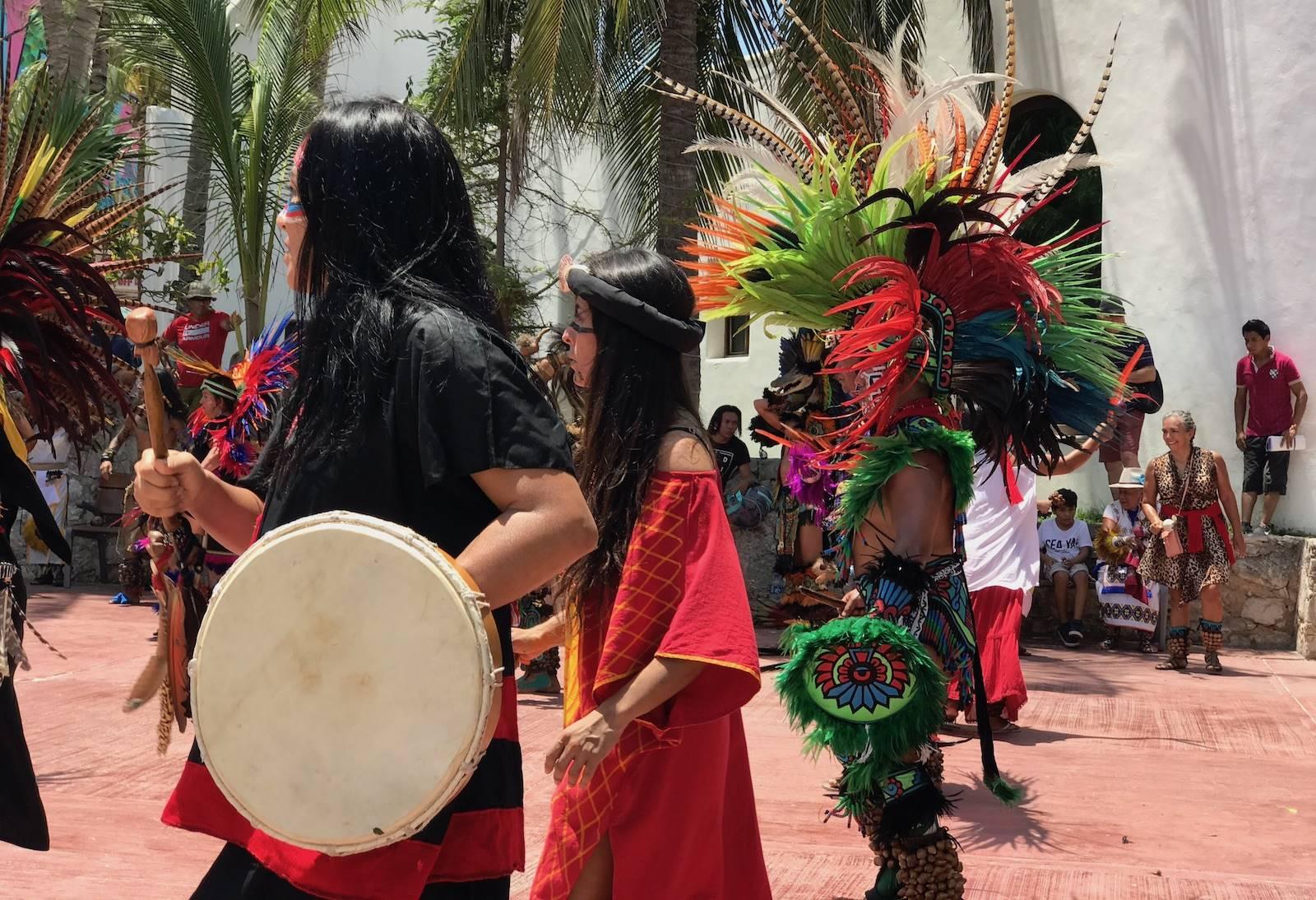 In Mexico: Maya rituelen en een strandhuis